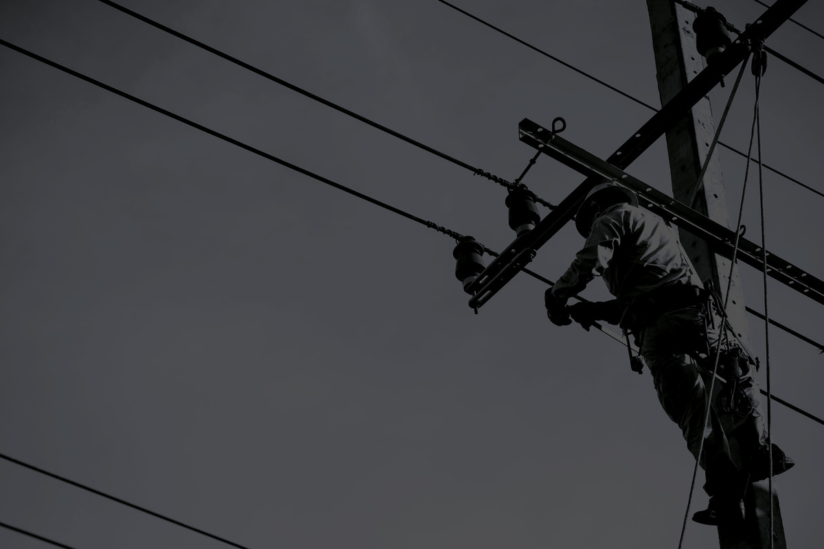 electric-worker